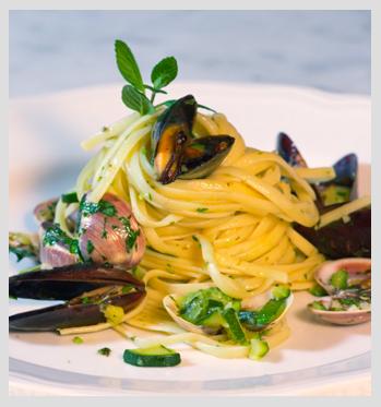 finito-Linguine-zucchine,-cozze-e-vongole