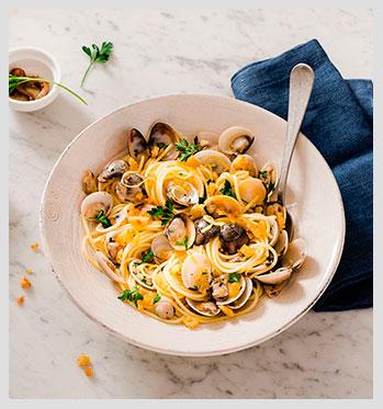 spaghetti-alle-vongole-con-sbriciolata-finito